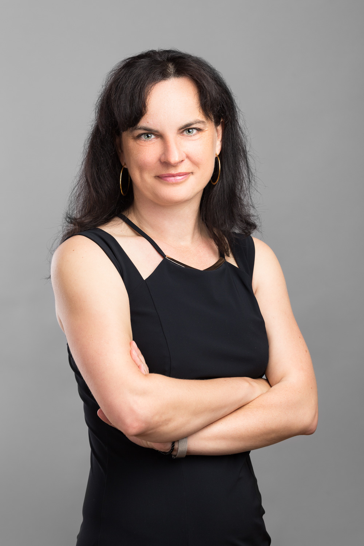 Irena Sovadinová
